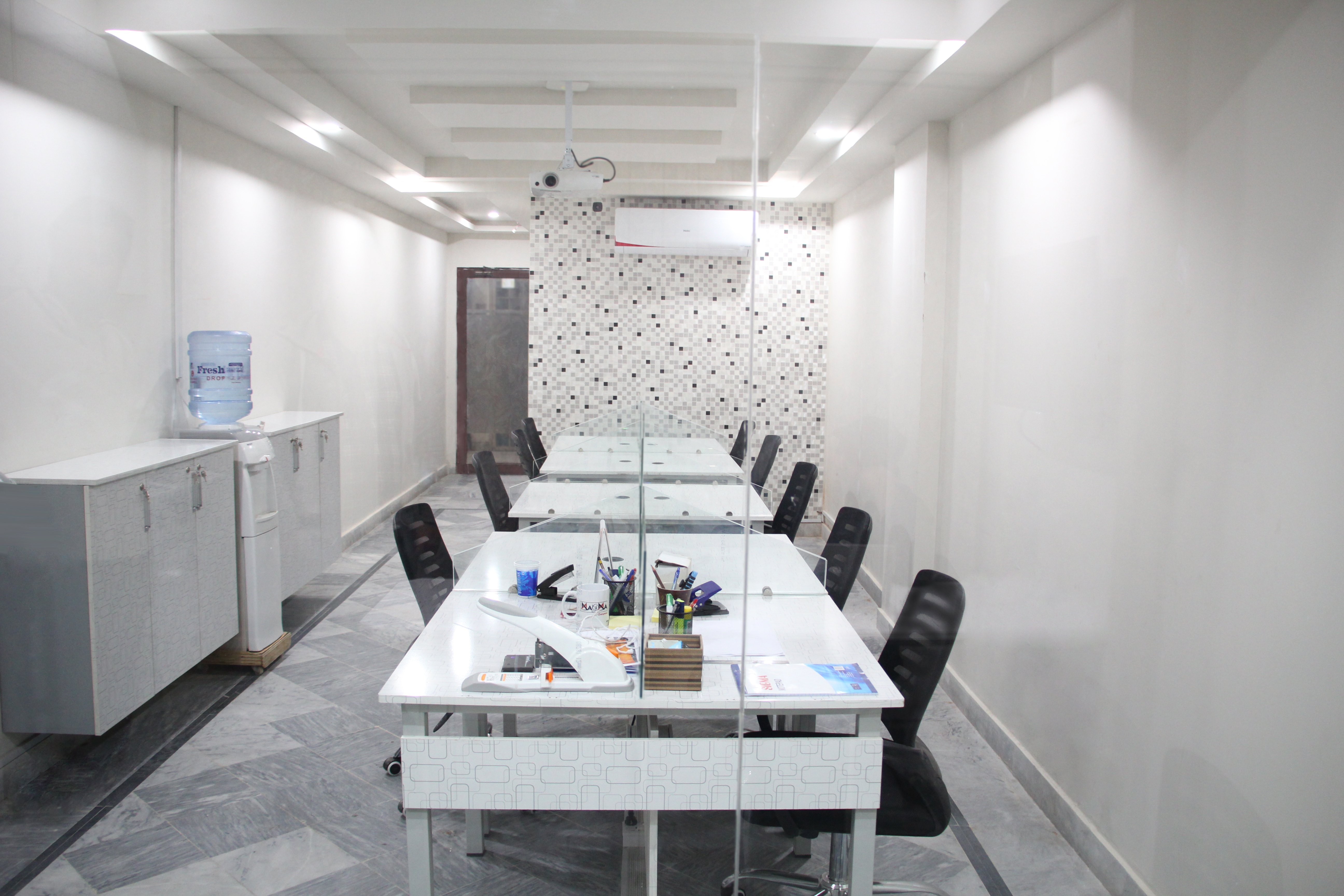 bestcoworkingspaceislamabad, bestcoworkingspacei8, Shared WorkSpace, ideal shared workspace
